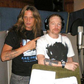 Axel Rose con su gran amigo Sebastian Bach