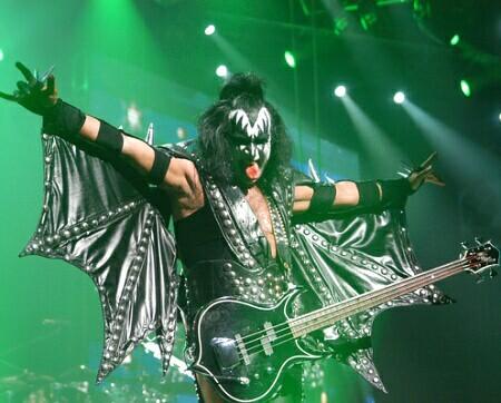 Kiss podria grabar nuevo disco