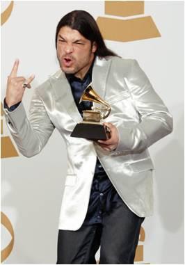Robert Trujillo orgulloso con su Grammy