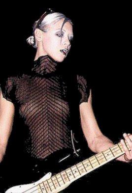 La primera bajista de los Smashing tenía un gran estilo