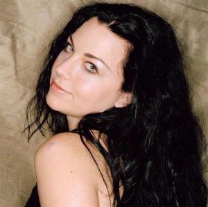 Amy Lee es una diosa gótica