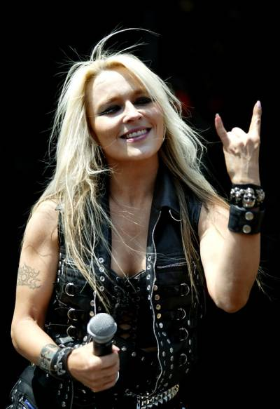 Doro Pesch una hermosa veterana del metal europeo