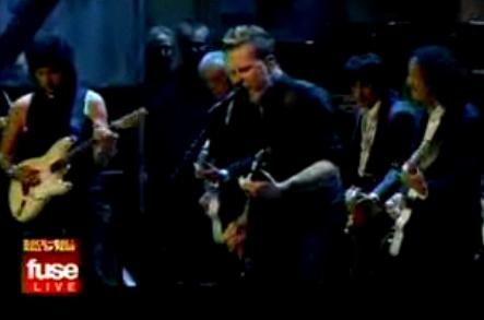 Hetfield tocando con sus héroes