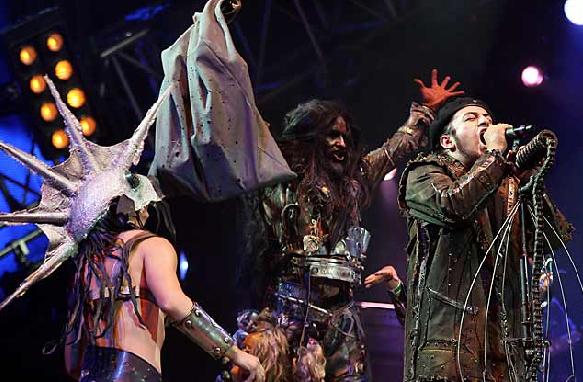 La Castañeda es de los pocos grupos mexicanos que han creado un buen show visual