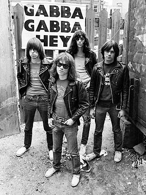 The Ramones y sus clásicas chamarras de cuero