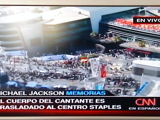 Los fans homenajeran a Michael en el Staples Center