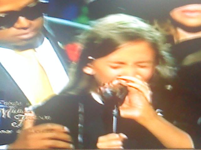 Paris Jackson llorando la muerte de su padre