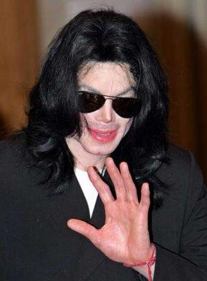 Michael Jackson llega a su última morada