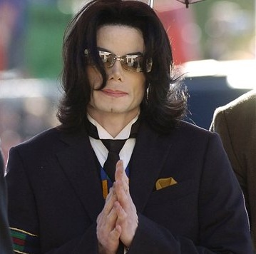 Le siguen apareciendo más hijos a Michael Jackson