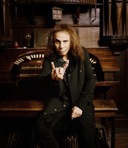 Ronnie James Dio enfrenta el cáncer con el apoyo de sus fans