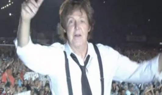 Luego de tres horas de música McCartney se despidió entre aplausos