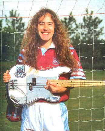 Steve Harris es fan del futbol