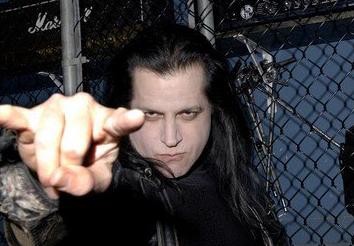Glenn Danzig acusado en la Corte por un choque