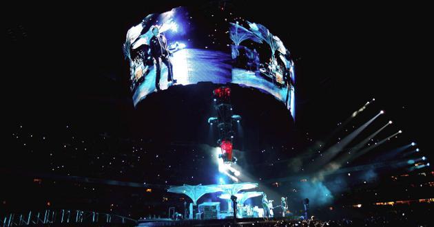 U2 hizo vibrar al pueblo Azteca