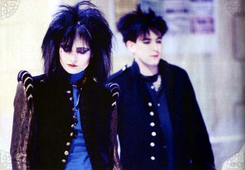 Siouxsie y Robert Smith en una gira por Francia en 1982