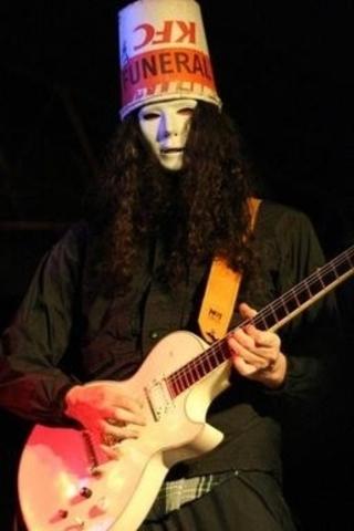Buckethead brilló con Guns N' Roses