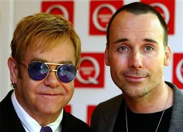 Elton John y su esposo