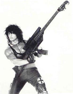 Kane Roberts (ex Alice Cooper) y su guitarra ametralladora