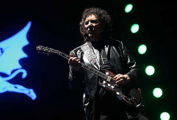 Tony Iommi se ve totalmente recuperado del cáncer