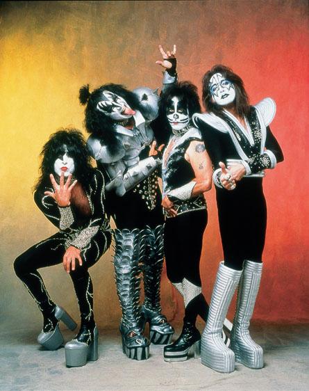 Kiss reitera su leyenda en el Salón del la Fama del Rock'n' Roll