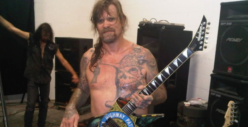 Chris Holmes sigue haciendo rock