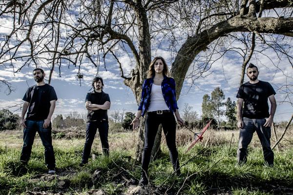 1000 Grullas es una intensa banda de rock