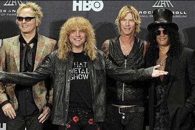 Matt Sorum, Steven Adler, Duff McKagan y Slash en la inducción al Salón de la Fama del Rock'n'Roll