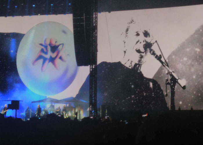 Roger Waters cimbró el Zócalo. Foto René Cruz (Inquisidor71)