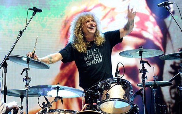 Steven Adler sería feliz de regresar en forma a Guns N' Roses