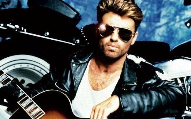 Descanse en paz George Michael. Esta es una de sus fotos más clásicas.