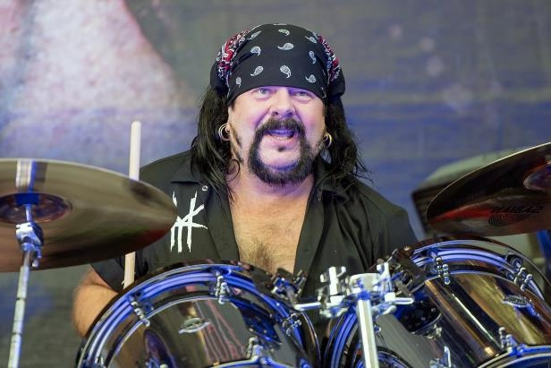 vinnie-paul-drummer-and-co-founder-of-pantera-and-damageplan-has-died-at-age-54__807106_